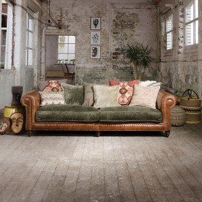 Constable Grand Sofa with 8x Scatters