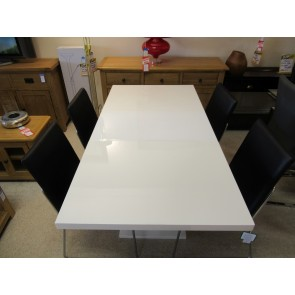Gust dining set
